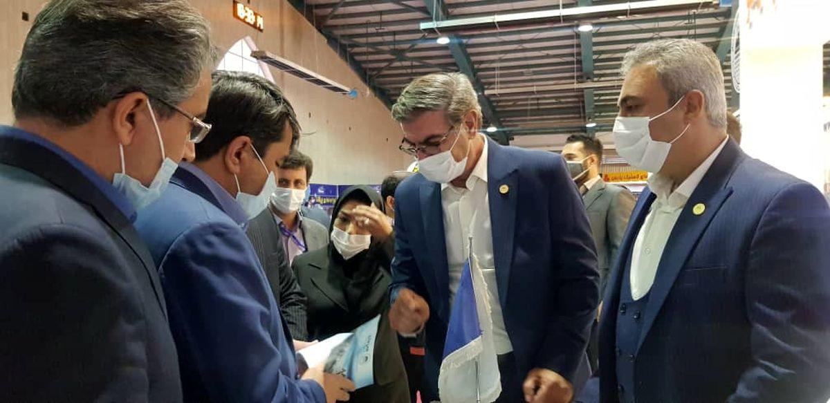 بازدید استاندار یزد از غرفه توانمندیهای ساخت داخل چادرملو