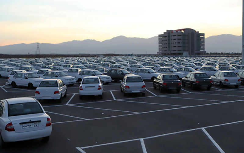 آیا کاهش تبِ دلار، تبِ خودرو را میخواباند؟