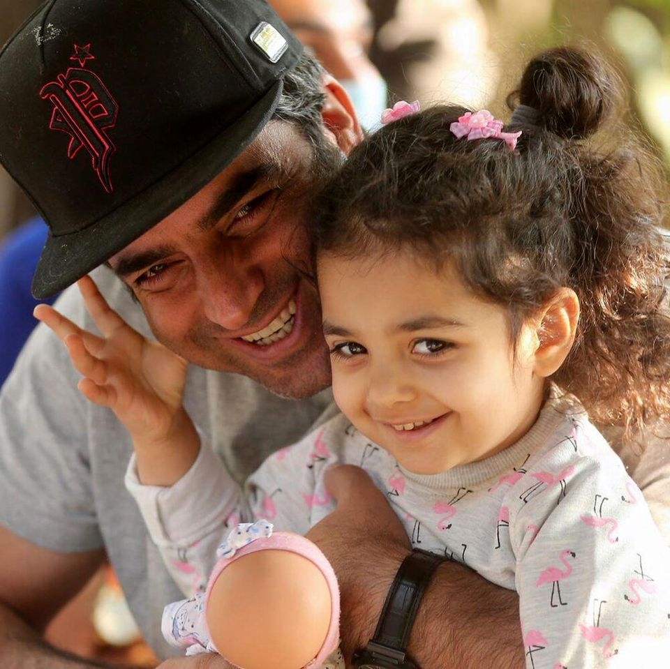خوشگذرونی منوچهر هادی و دخترش + عکس