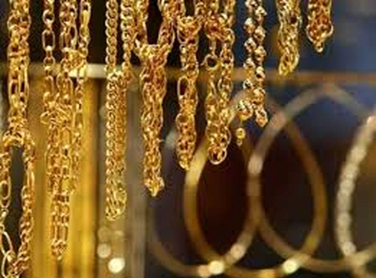 علت افزایش قیمت طلا و دلار در بازار / قیمت دلار تا کجا بالا می رود ؟