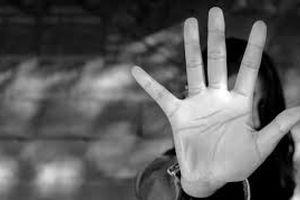 آزار شیطانی پسر 17 ساله توسط معلم هوسباز + عکس