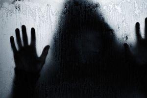 ازار جنسی زن جوان در خانه ماساژور شیطان صفت + عکس