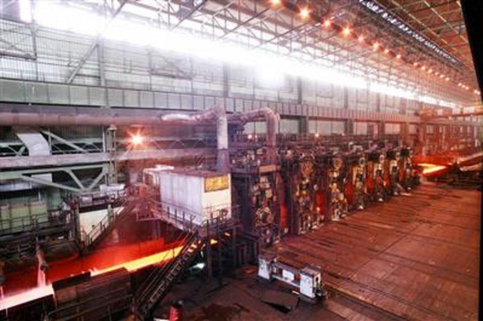 کاهش قراضه و گیر ورق و توقفات ناشی از آن در خط نورد گرم فولاد مبارکه