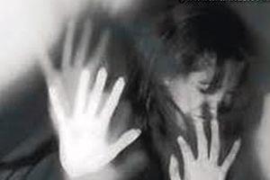 تجاوز وحشیانه و فجیع به یک زن جلوی چشم شوهر و دخترانش + جزئیات