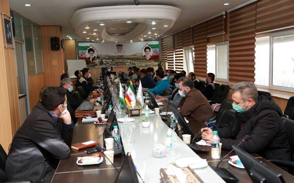 نشست صمیمی مدیرعامل و تلاشگران ذوب آهن اصفهان
