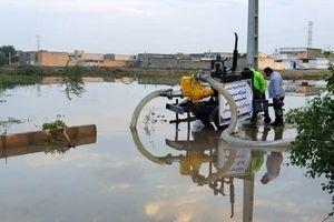 دفع آب های سطحی در مناطقی از شهرستان اهواز توسط شرکت فولاد خوزستان انجام شد
