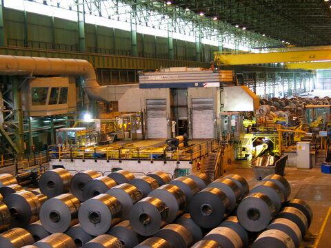 پس از ۷ سال رکورد تولید واحد نورد دوقفسهای در شرکت فولاد مبارکه شکسته شد